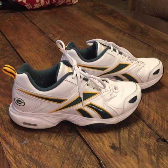 7ea41ad2c0bdd4 Green Bay Packers Reebok shoes size 8. M 5bdf170c5c44527bad9c3277